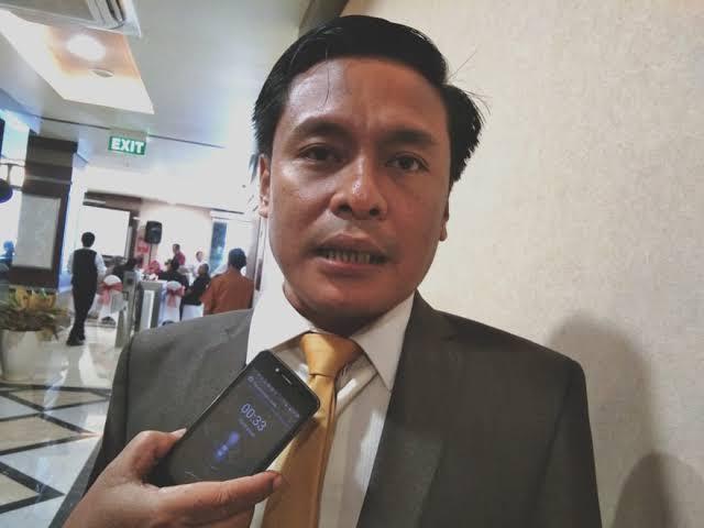 Arif Fathoni Nilai Penertiban Baliho Paslon Pilkada Kota Surabaya Tebang Pilih