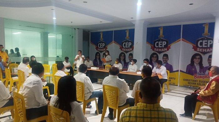 Tetty Paruntu Lantik Jantje Sajow Jadi Ketua Tim Kampanye CEP-Sehan di Pilkada Sulut