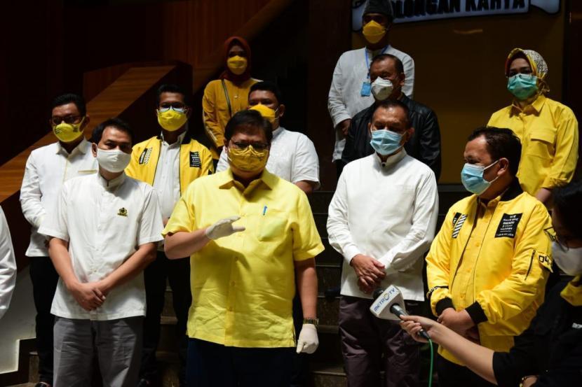 Golkar Telah Bagikan 543 Ribu Paket Sembako Untuk Warga Terdampak COVID-19 di 22 Provinsi