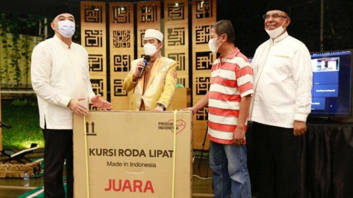 Rayakan Nuzulul Qur'an, Ahmed Zaki Iskandar Muliakan Difabel Dengan Berbagi 10 Kursi Roda