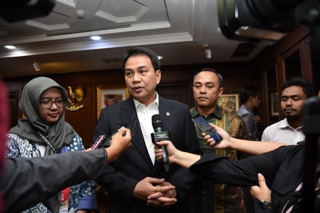 Pemerintah Belum Tetapkan Ketentuan Vaksinasi, Azis Syamsuddin Nilai Sejumlah RS Offside