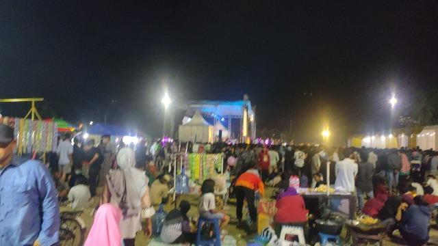 Ribuan Warga Tegal Hadiri Kenduri Dangdut Wakil Ketua DPRD Wasmad Edi Susilo