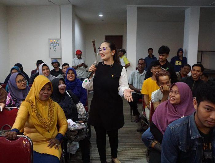 Andi Debby Purnama Sosialisasi Wajib Belajar, Emak-Emak Makassar Curhat Pungli Sekolah