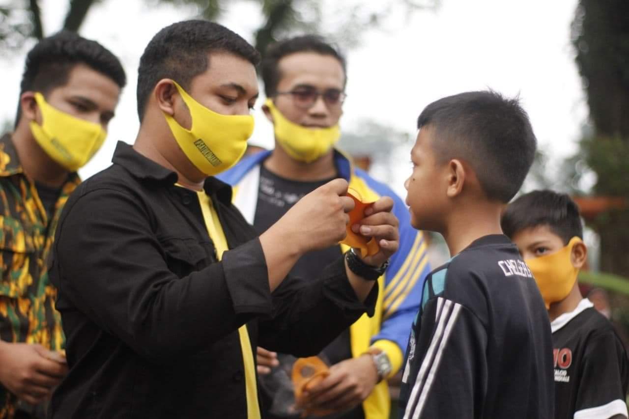 AMPG Kota Binjai Bagikan Ribuan Masker Untuk Masyarakat di Seputar Lapangan Merdeka
