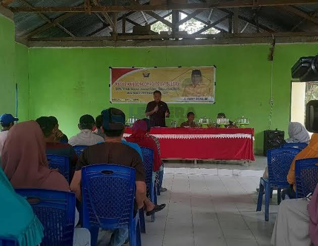 Hari Kedua Reses di Konawe, Warga Curhat Nasib Guru Honorer Ke Herry Asiku