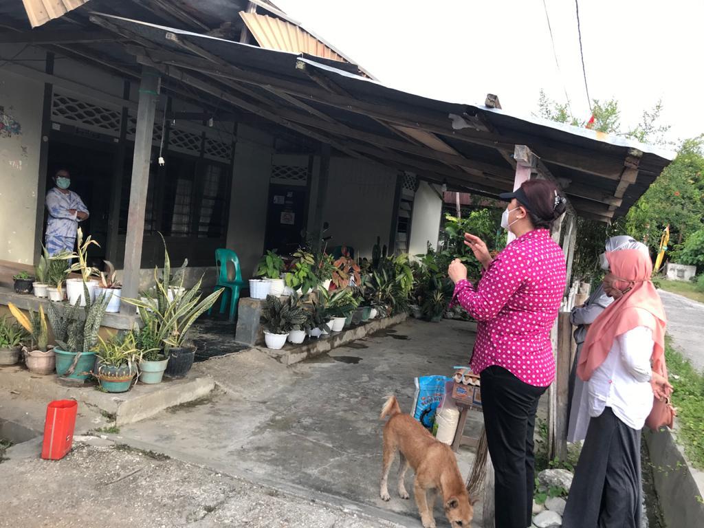 Ketua DPRD Poso, Sesi KD Mapeda Sisihkan Gajinya Untuk Bantu Sembako Warga Yang Isoman