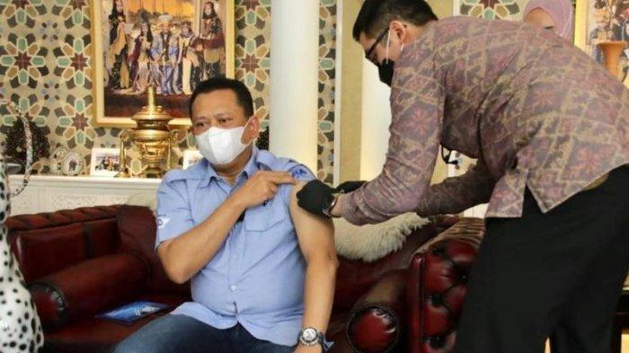 Disuntik Vaksin COVID-19, Bamsoet Ingatkan Tetap Wajib Patuhi Protokol Kesehatan