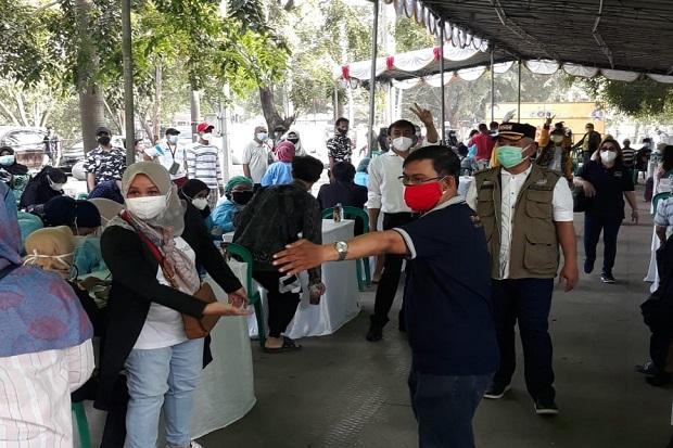 3 Ribu Warga Kota Bekasi Antusias Banjiri Program Vaksinasi Bersama Golkar di Lapangan Multiguna