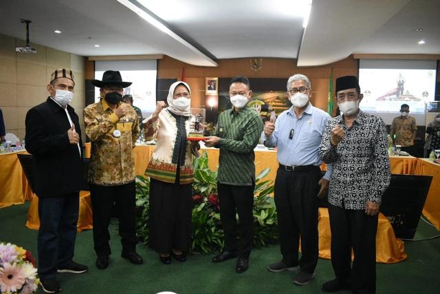 3 Kecamatan di Kalbar Tak Punya SMA dan SMK, Adrianus Asia Sidot Desak Kemendikbud Bangun Sarana Pendidikan