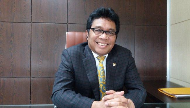 Resmi Diusung Golkar di Pilgub Sultra 2024, Ridwan Bae Tancap Gas Dongkrak Elektabilitasnya