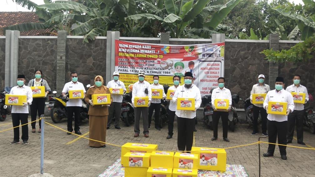 Tony Eka Candra Sumbangkan Ratusan APD Untuk Tenaga Medis se-Lampung Selatan