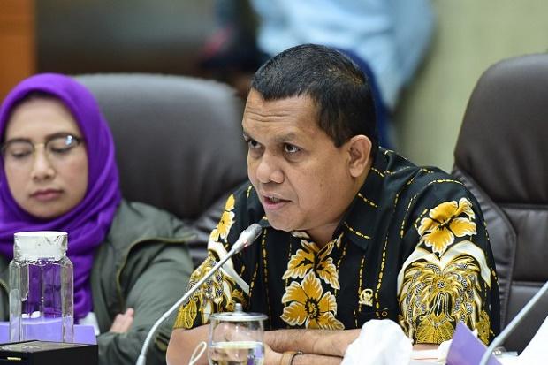 Upah Minimum 2021 Tak Naik, Melki Laka Lena Dorong Pemerintah Berikan Bansos Untuk Pekerja