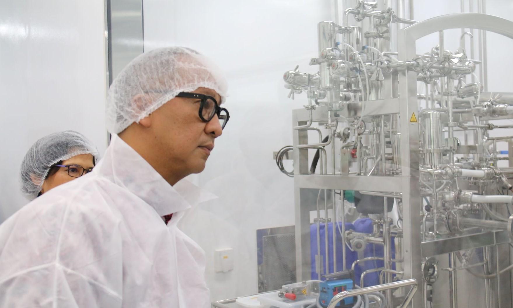 60 Persen Bahan Baku Dari China, Menperin Agus Gumiwang Sebut Farmasi Terdampak Corona