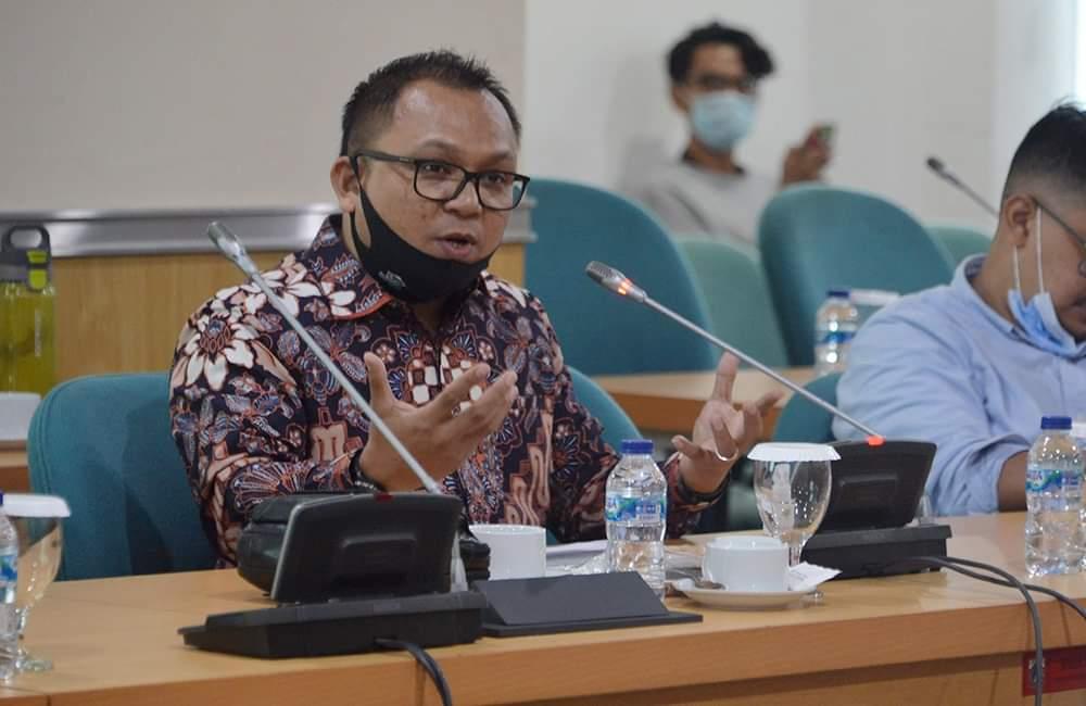 Fraksi Golkar Desak Gubernur Anies Sediakan Internet Gratis di Kantor RW Hingga Pemukiman Padat