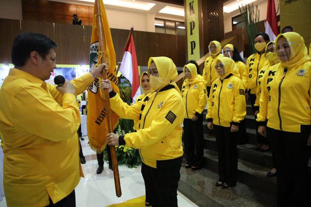 Lantik Airin Jadi Ketum KPPG, Airlangga Minta Kader Perempuan Ikut Menangkan Golkar di Pilkada 2020
