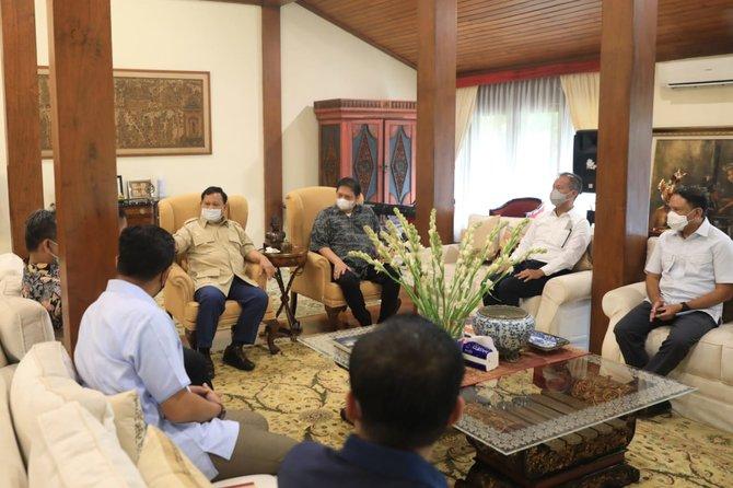 Makna Di Balik Pertemuan Airlangga Hartarto dan Prabowo Subianto di Hambalang