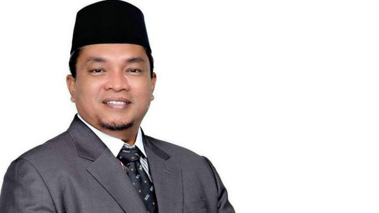 Tutup Usia Akibat COVID-19, Ini Profil Walikota Banjarbaru Nadjmi Adhani