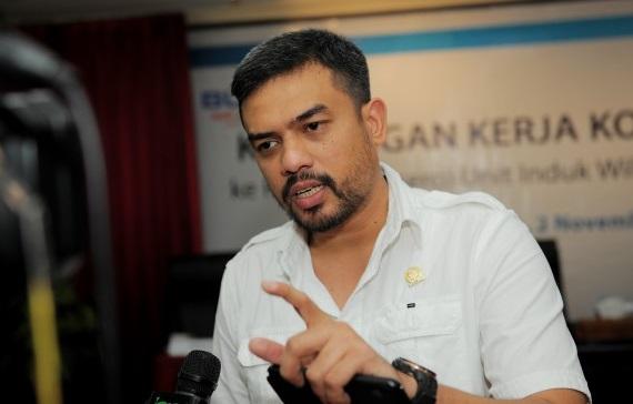 Maman Abdurrahman Instruksikan Fraksi Golkar DPRD Kalbar Gelar Baksos Bagi Masyarakat