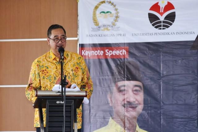 Ferdiansyah Sebut Revisi UU Sisdiknas Untuk Sinkronkan Puluhan UU Yang Berpotensi Tumpang Tindih