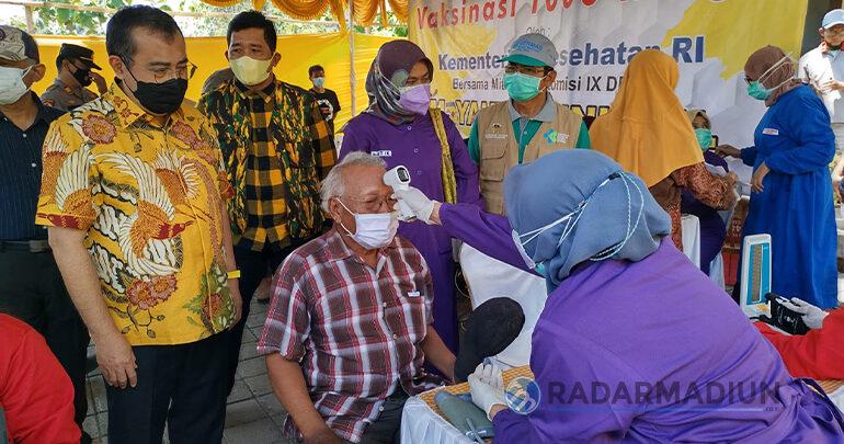 Percepat Herd Immunity di Madiun, Yahya Zaini Blusukan Tinjau Vaksinasi di 3 Kuwu, Cermo dan Sendangrejo
