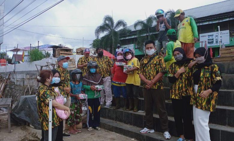 AMPG Bangka Belitung Bagikan Masker dan Nasi Kotak Untuk Para Tukang Parkir dan Masyarakat