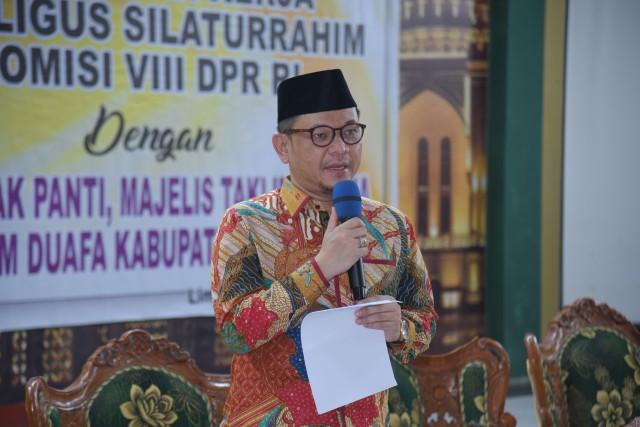 Ace Hasan Syadzily Bantu Mahasiswa UIN Syarif Hidayatullah Terdampak COVID-19