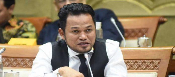Rudy Mas'ud Minta PLN Perbaiki Gaya Komunikasinya Yang Buruk Dengan Pelanggan