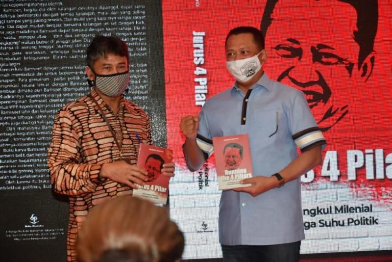 Bamsoet Luncurkan Buku Solusi Jalan Tengah dan Jurus 4 Pilar
