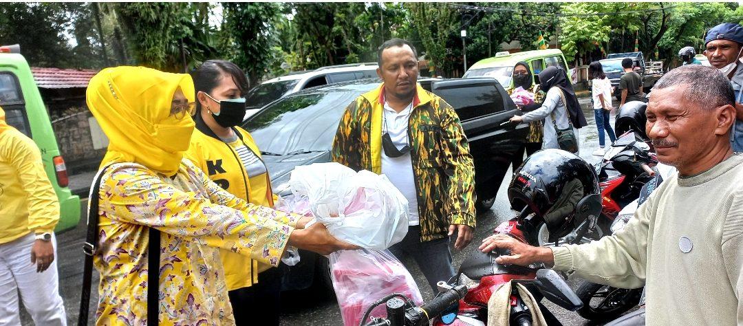 AMPG dan KPPG Bagikan 1.000 Bendera Merah Putih dan Nasi Kotak Untuk Warga Kota Ambon