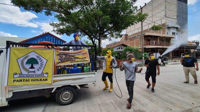 Golkar Sidrap Semprotkan 4.000 Liter Disinfektan di Maritengngae dan Watang Sidenreng