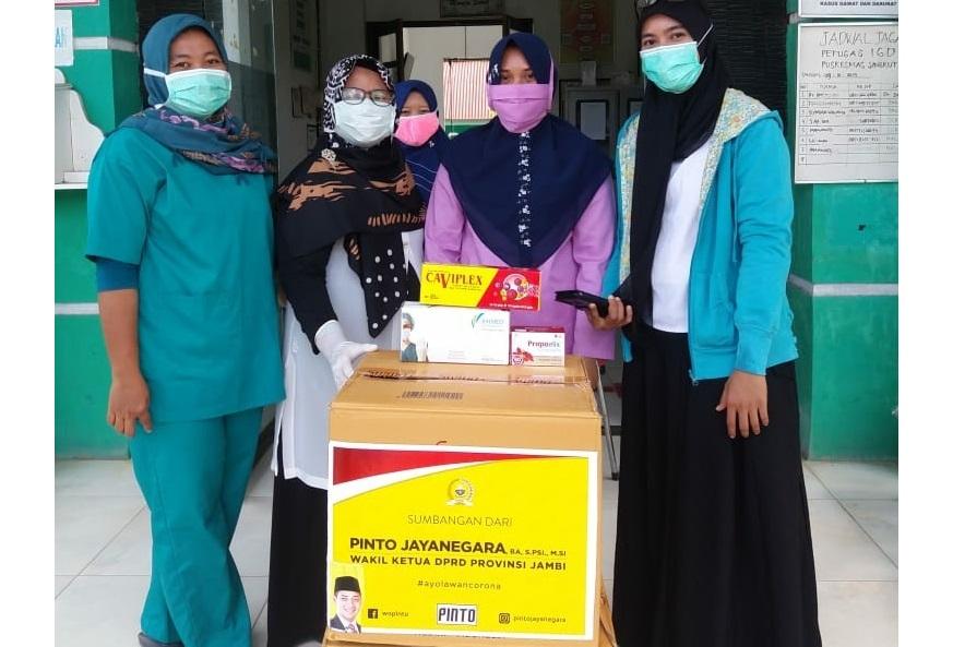 Pinto Jaya Negara Kembali Beri Bantuan APD dan Vitamin Konsentrat, Kali Ini Untuk Puskesmas Singkut