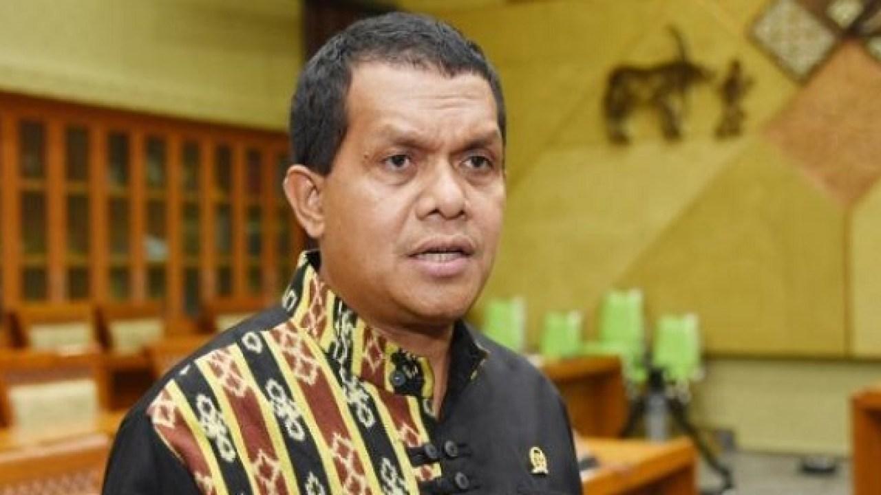 Jokowi Perpanjang PPKM Level 4, Melki Laka Lena: Bukti Komitmen Pemerintah Utamakan Kesehatan