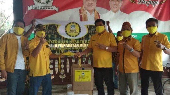 Lewat AMPG dan KPPG, Musa Ahmad Bagikan 20 Ribu Masker Untuk Masyarakat Lampung Tengah