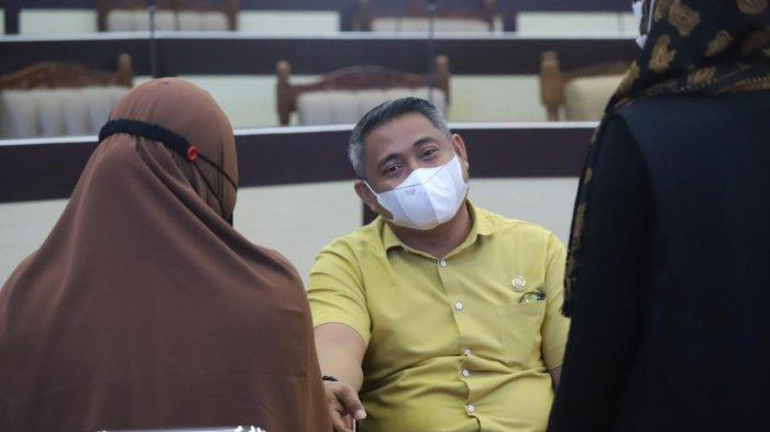 Momen Anggota DPRD Sulsel Taqwa Muller Teriak Takut Jarum Suntik Saat Vaksin COVID-19