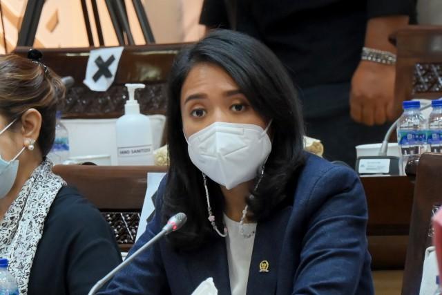 Pinjol Ilegal Marak di Bekasi, Karawang dan Purwakarta, Puteri Komarudin Sosialisasi Door To Door